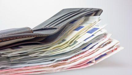 geld uitbetalen aan personeel