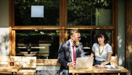 Voer gesprekken met klanten om tot een beter product te komen