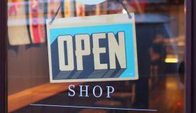 openeingsbordje winkel waarbij de toegankelijkheid goed is