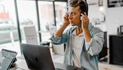 Wat is VoIP en wat kan het betekenen voor jouw onderneming